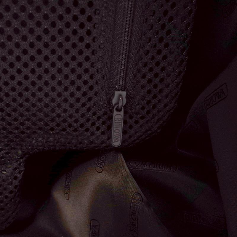 リモワ トパーズ チタニウム 924.70.03.4 82リットル 4輪
