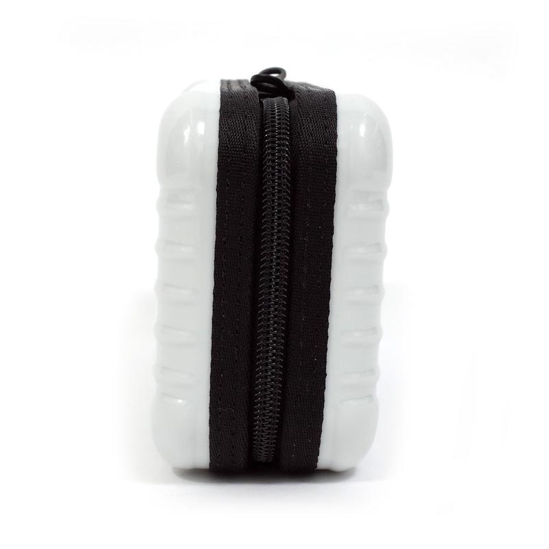 EVA航空限定 アメニティケース 在庫商品 ホワイト