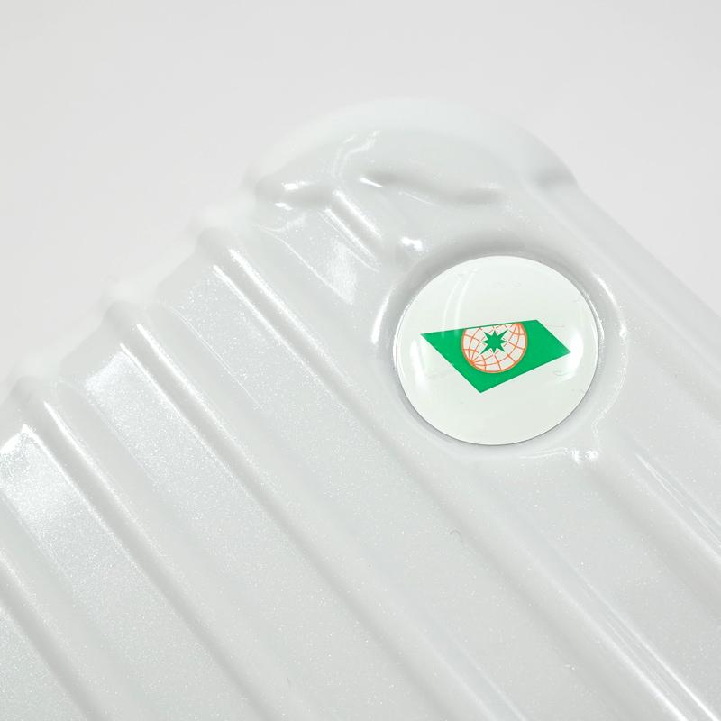 EVA航空限定 アメニティケース 在庫商品 ホワイト(中身有)