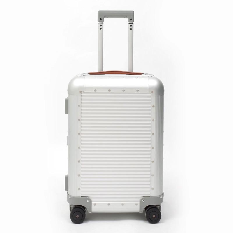 RIMOWA(リモワ)スーツケース FPM BANK Spinner 36.6L シルバー 在庫商品画像