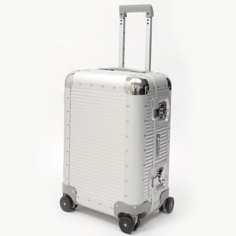 リモワスーツケース FPM BANK S Spinner 36.6L シルバー 在庫商品画像