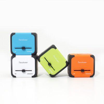 全世界対応 海外旅行用マルチ変換プラグコンセント USBポート付き
