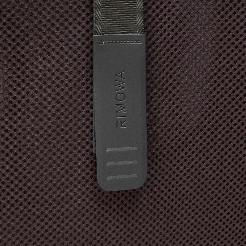 リモワ エッセンシャル  832.73.61.4 チェックインL 85L 在庫商品マットブルー