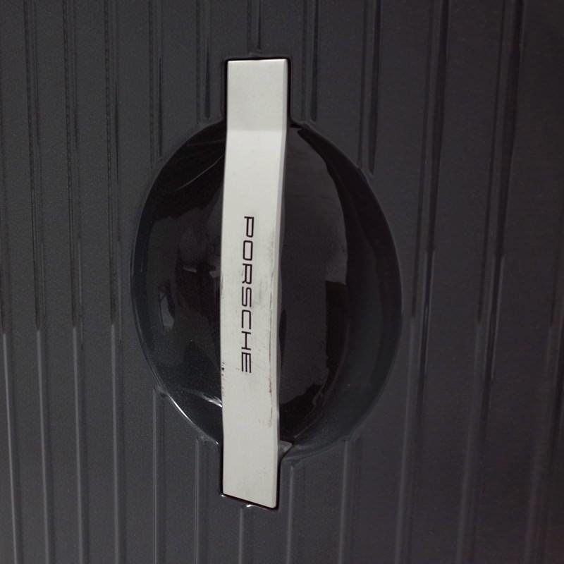 リモワ ポルシェコラボ 898.26  中古商品 32リットル 2輪